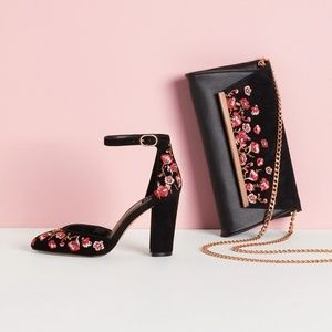 NIB WHBM piper floral embroidered heel size 7